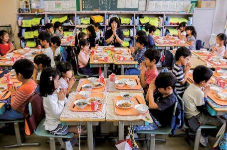 フランスの人が「日本の給食はおいしい」と評価!? 世界で最もバランスのいい食事だと国際社会でも話題に?