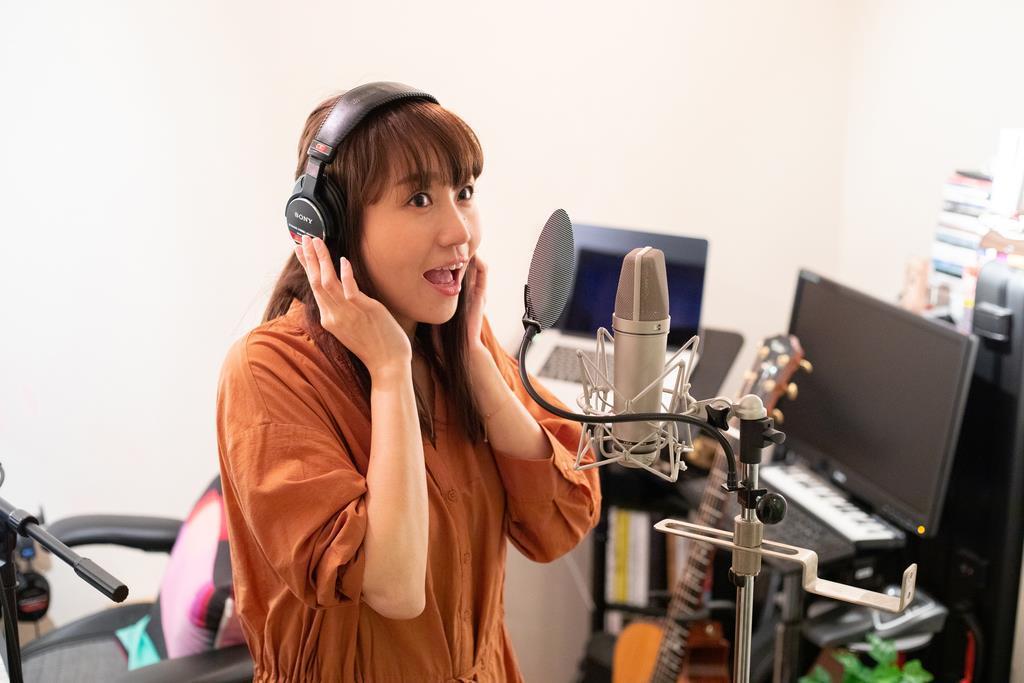 レコーディングに臨む矢井田瞳さん (c)CSM