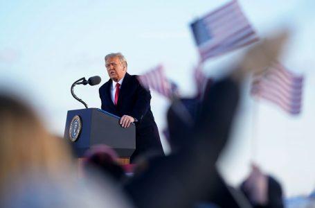 トランプ大統領が最後の演説、「あなた方のために常に闘う」 バイデン氏にメモ残す