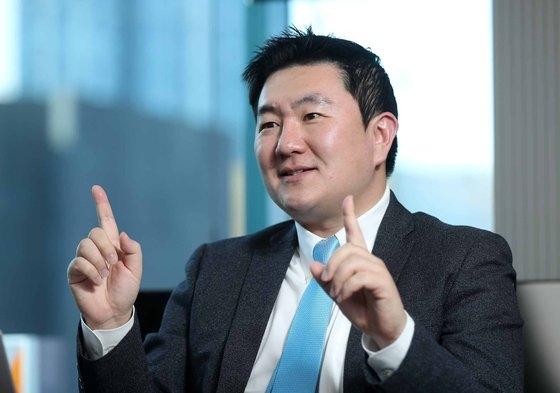ヨズマグループ韓国支社のイ・ウォンジェ代表が9日、ソウル江南区ノンヒョン洞の事務室で、中央日報のインタビューに応じている。 キム・サンソン記者